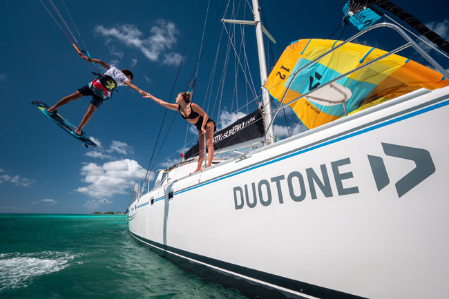 Duotone Kite Cruise kitesurfer trick