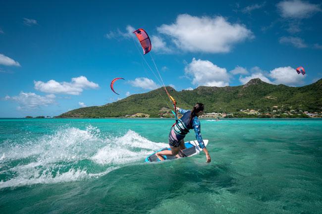 Solo Kiteboarding in The Grenadines